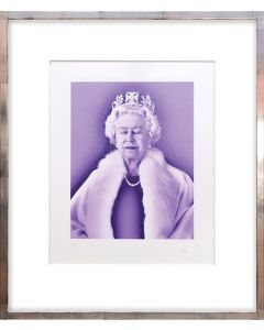 Lightness of Being Crystal Edition. [Queen Elizabeth II.]